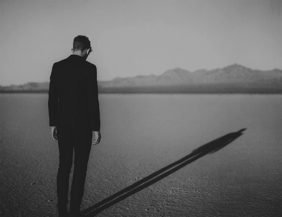 Listen: Erik Hassle – Smaller
