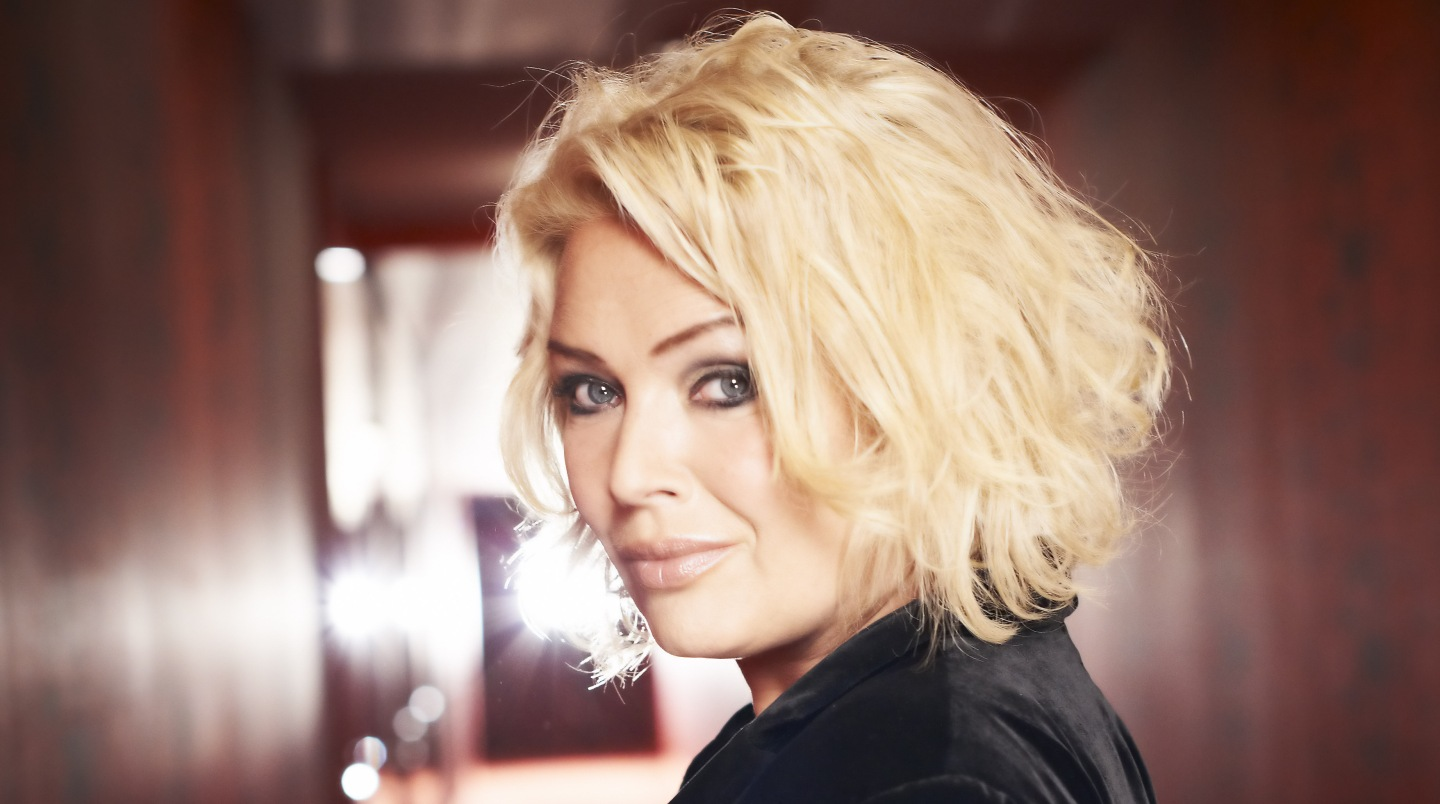 Kim Wilde Christmas Video