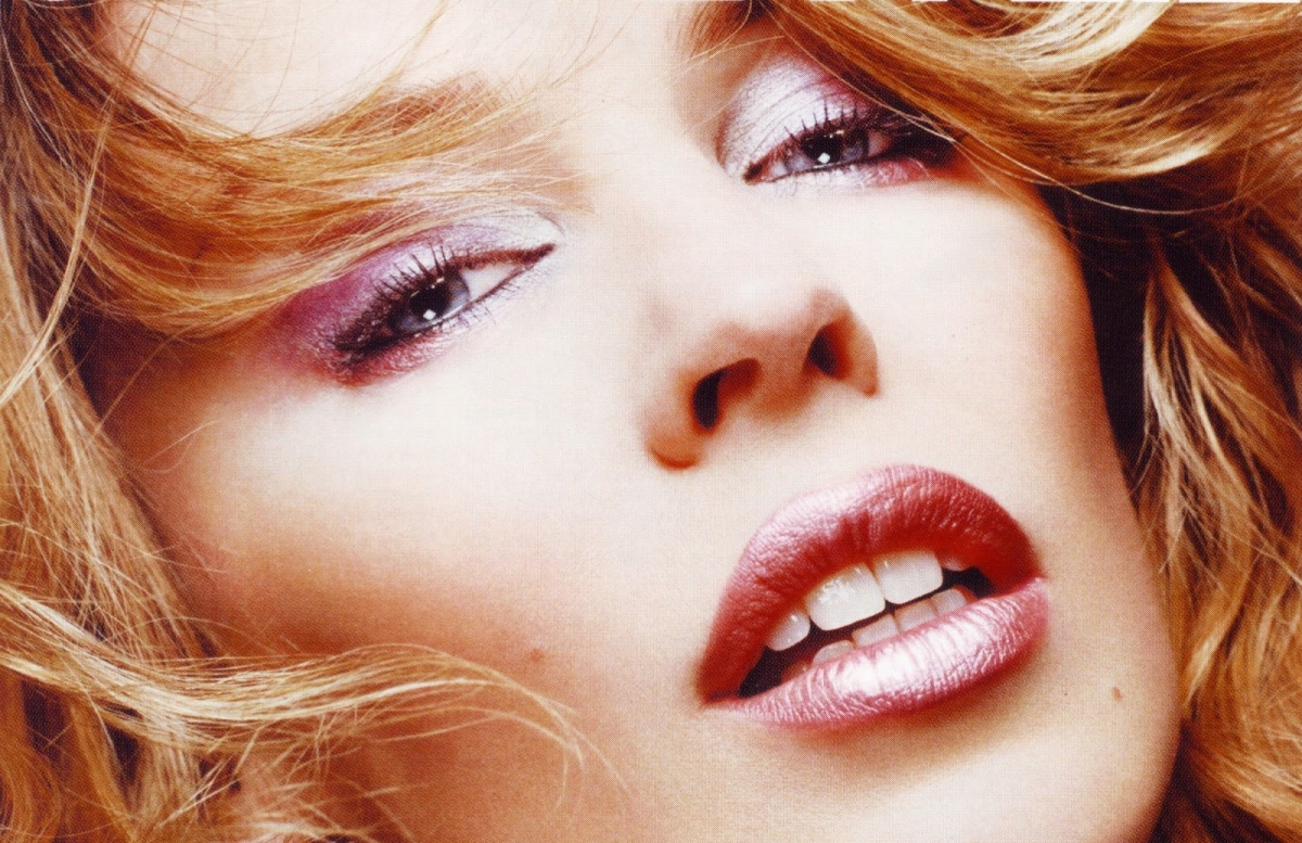 kylie minogue greatest hits 2016