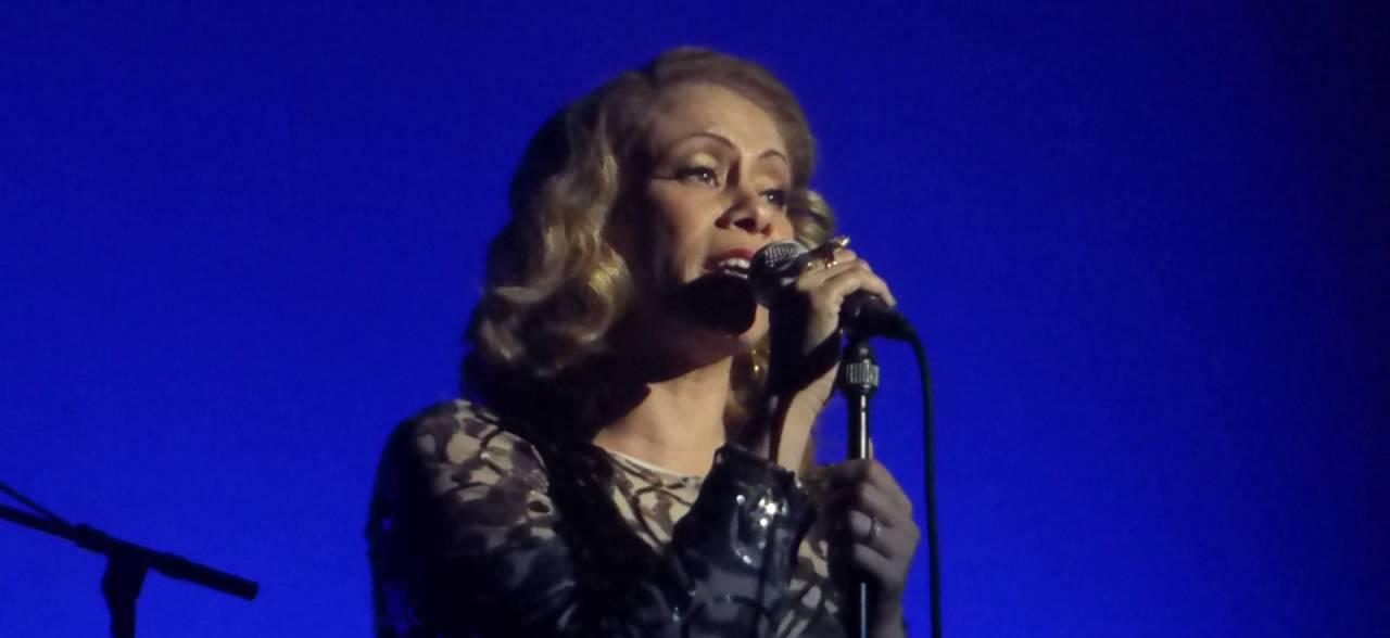 Dina Carroll live