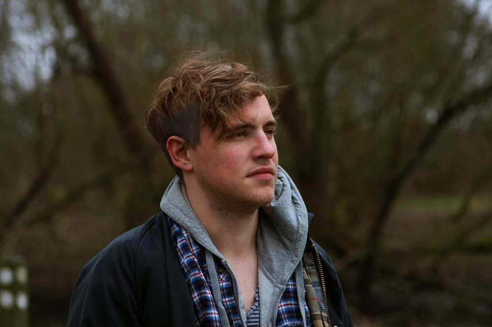 FRESH: 'Distance' - Alex Bayly