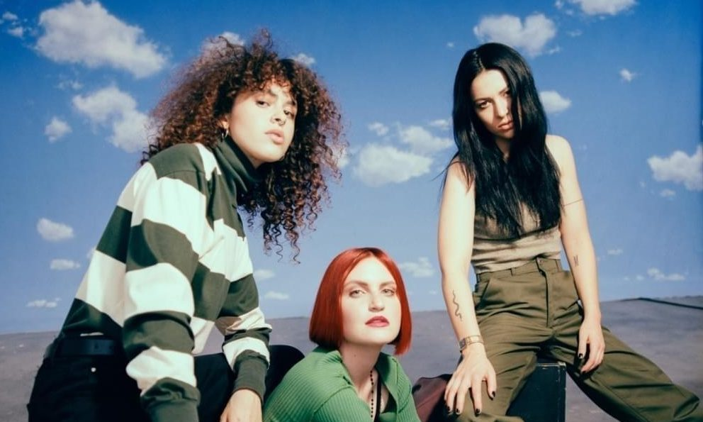 REVIEW: 'Saves The World' - MUNA